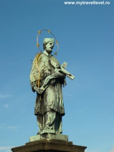 Statuia lui Ioan Nepomuk de pe podul Carol din Praga - cea mai cunoscută statuie a preotului martir. A fost realizată de  Jan Brokoff după modelul creat de Matthias Rauchmiller în 1683.