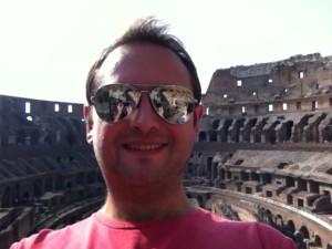 """Un """"selfie"""" la Colosseum în Roma, Italia"""